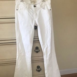 Current/Elliot white flare jeans perf condition